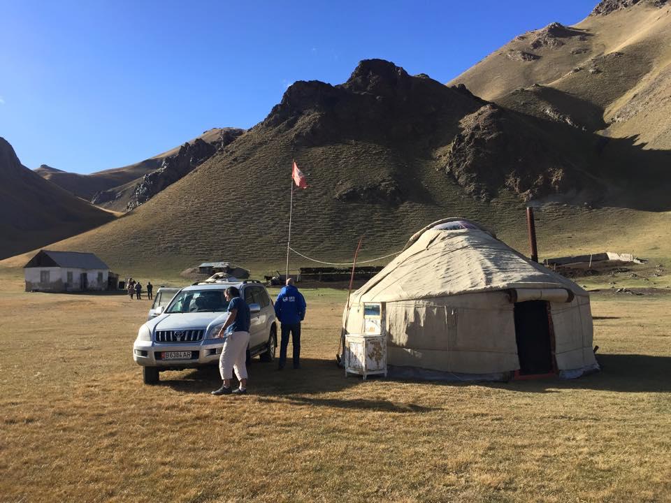 Kirguistan En Moto 4x4