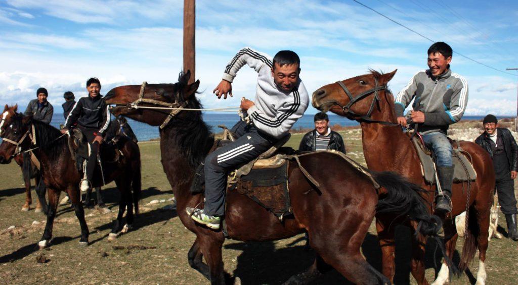 Viaje A Kirguistan En 4x4 Moto 017